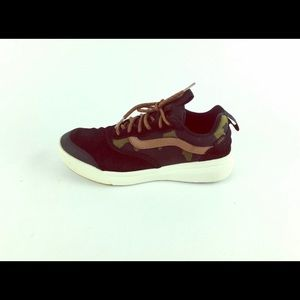 Vans Shoes - Vans UltraCrush camo used shoe